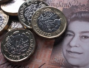 BATH, ENGLAND - OCTOBER 13:  In this photo illustration, £1 coins are seen with the new £10 note on October 13, 2017 in Bath, England. Currency experts have warned that as the uncertainty surrounding Brexit continues, the value of the British pound, which has remained depressed against the US dollar and the euro since the UK voted to leave in the EU referendum, is likely to fluctuate.  (Photo Illustration by Matt Cardy/Getty Images)